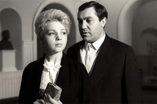 Павел Луспекаев и Марина Полбенцева в фильме «Долгая счастливая жизнь», 1966 год