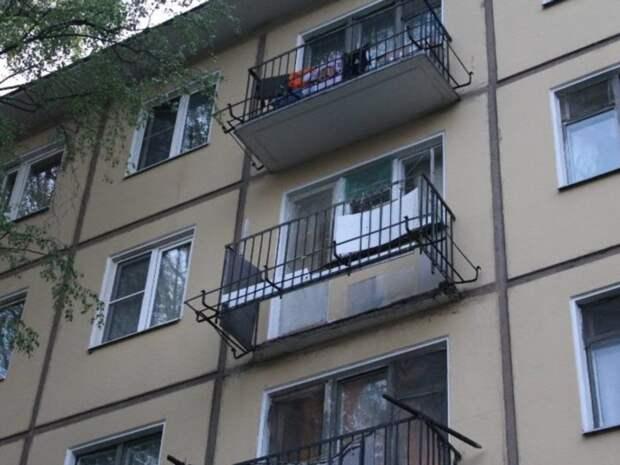 Балкон обрушился в жилом доме на юго-западе Москвы
