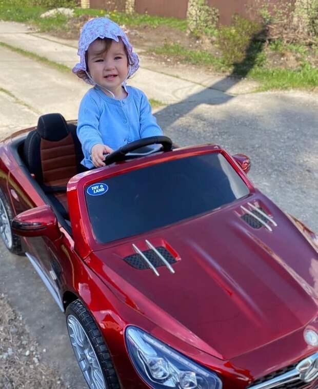 Ирина Слуцкая показала автомобиль дочери