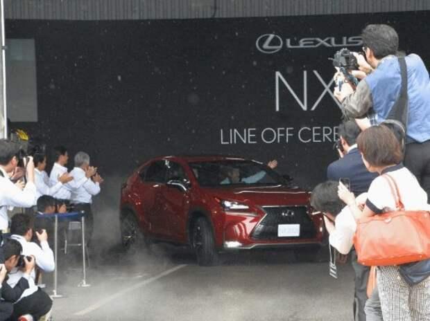 Компактный кроссовер Lexus NX пошел в серию