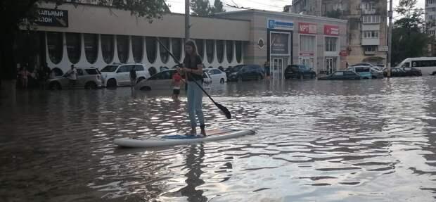 Из-за ливней Новороссийск уподобился Венеции