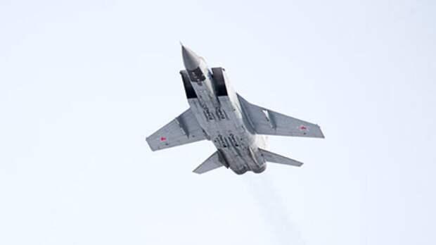 ВКС России перехватили американский разведчик RC-135 над Чукотским морем