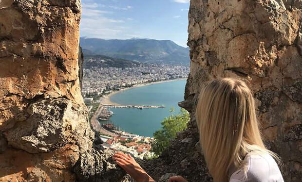 Женщина получила ВНЖ Турции и поделилась личным опытом. Ей оказалось достаточно аренды квартиры