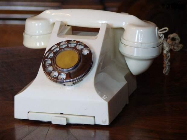 Телефон Сталина (Ливадийский дворец Крым) |