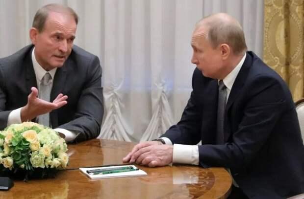 Зеленский ставит под удар жизни украинцев из-за противостояния с Россией