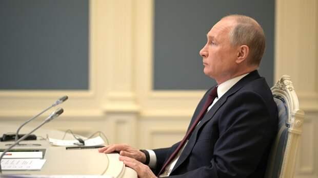 Путин указал на один факт в ответ на признание Moderna лучшей вакциной