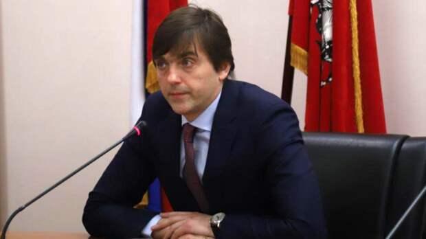 Кравцов заявил, что учителя и вахтер сделали все для спасения детей при стрельбе в Казани