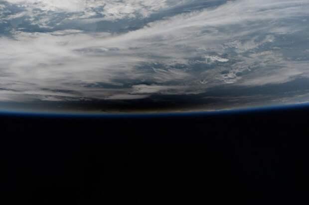 Полное солнечное затмение 21 августа: вид из космоса