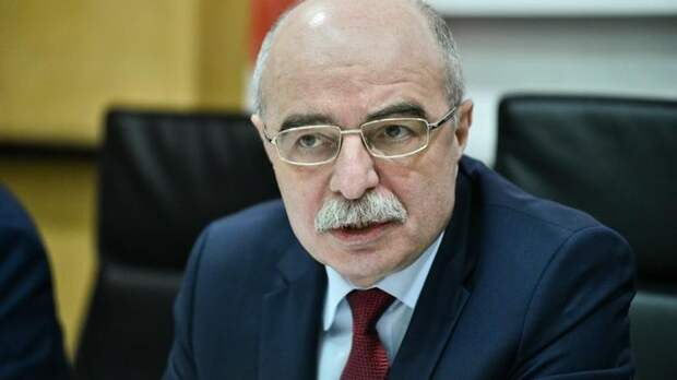 Директор петербургского фонда ОМС уволился по собственному желанию