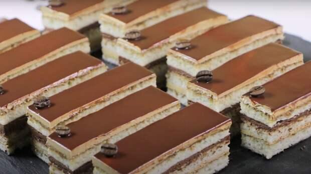 """Парижские кондитеры приготовили самый большой в мире торт """"Опера"""""""