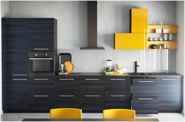 Акцентная мебель жёлтого цвета в интерьере кухни