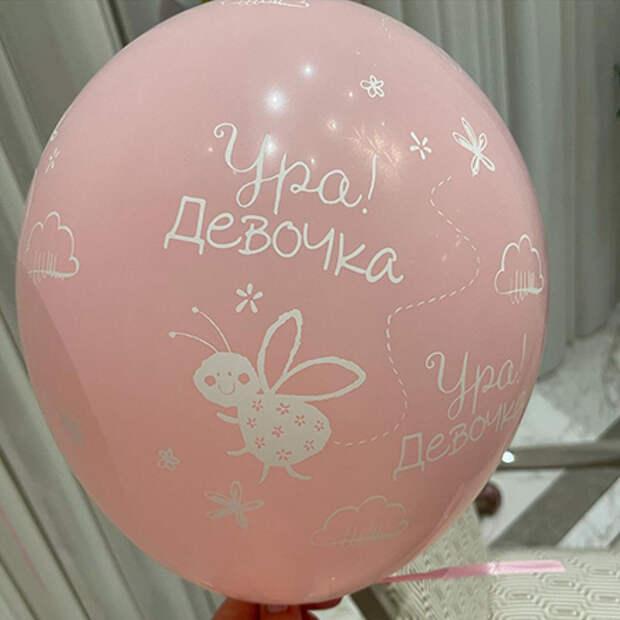 Альбина Джанабаева поделилась первым снимком их с Валерием Меладзе новорожденной дочери
