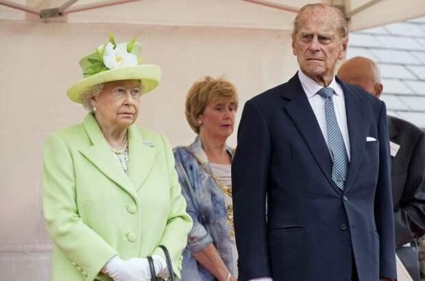 Елизавета II назвала принца Филиппа своей главной опорой в жизни