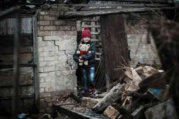 """Дети Донбасса под артиллерийским огнём """"освободителей"""" ВСУ"""