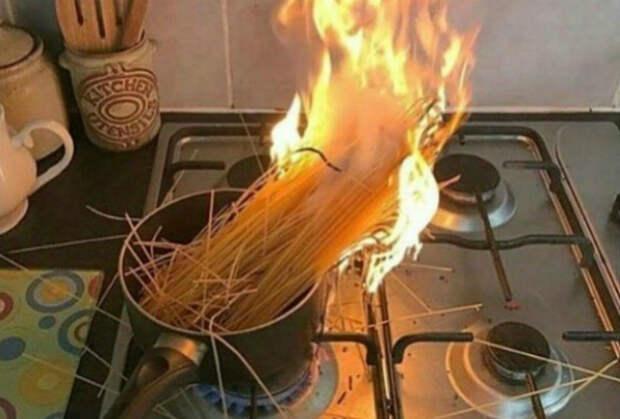 Когда готовишь с огоньком. | Фото: BigPicture.