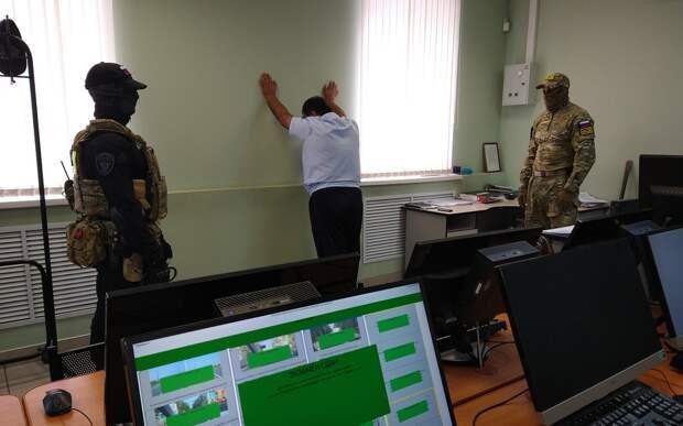 Офицер полиции Брянска попался на взятках за выдачу прав без экзаменов