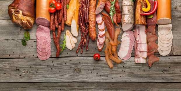 Как прожить дольше: диетолог назвала самые вредные продукты
