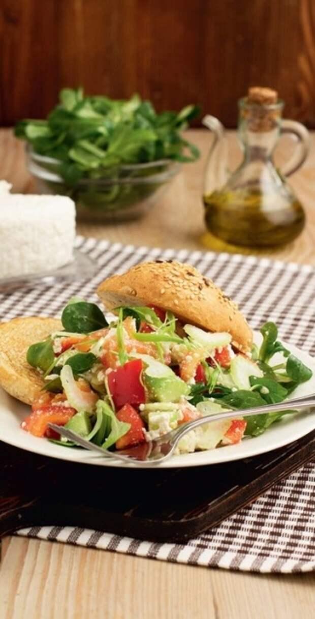 5 завтраков за 10 минут  - Салат из свежих овощей с творогом - Портал Домашний