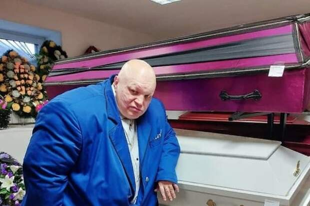 Стаса Барецкого задержали на репетиции «марафона с гробами»