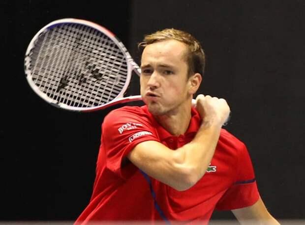 Хачанов в полуфинале – единственный из россиян: Медведев проиграл испанцу. В миксте Павлюченкова и Рублев победили в четвертьфинале