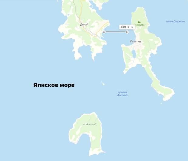 Карта местности. Мы находимся на южной оконечности острова, который справа.