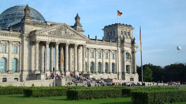 """В бундестаге не видят причин для срыва реализации """"СП-2"""" из-за иска экологов"""