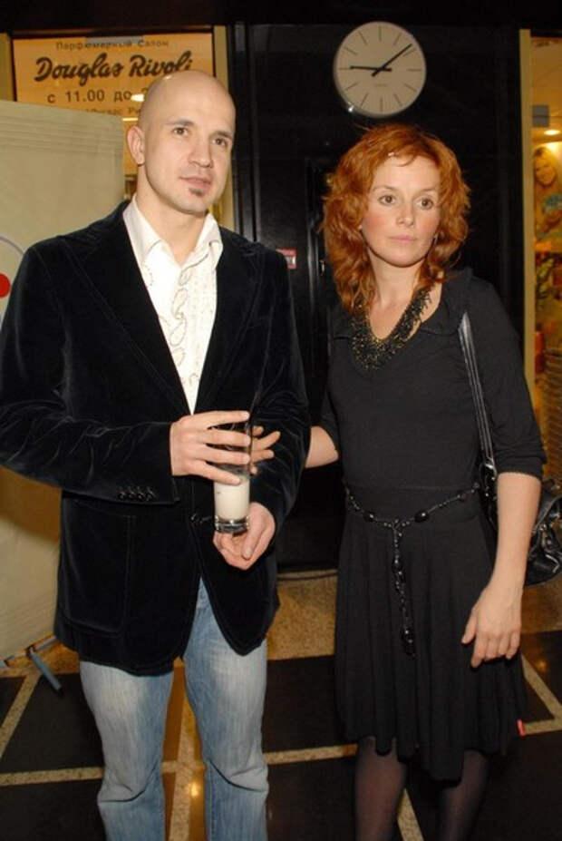 Дружинин: «Удерживал жену за руки, пока делали концерт Пугачевой. Она бы не постеснялась сказать ей в глаза»