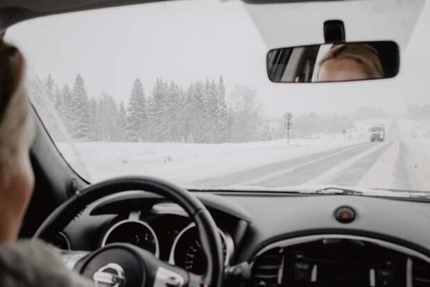 Эксперимент: водителям в нескольких регионах России разрешили не возить с собой права