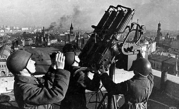 Чтим и помним: 7 ноября прошел исторический парад на Красной площади
