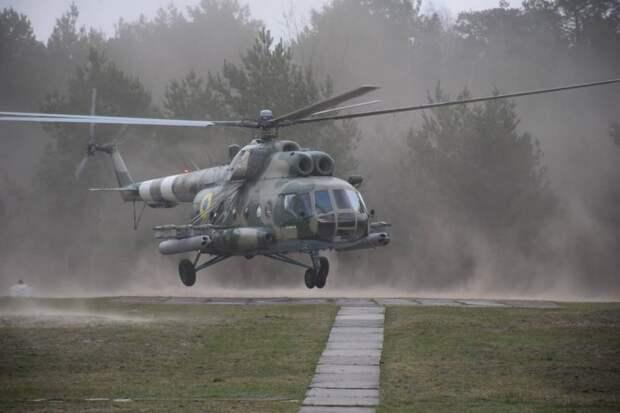 «Ми-8 стал летучей ракетной батареей»: на Украине модернизировали транспортный вертолёт