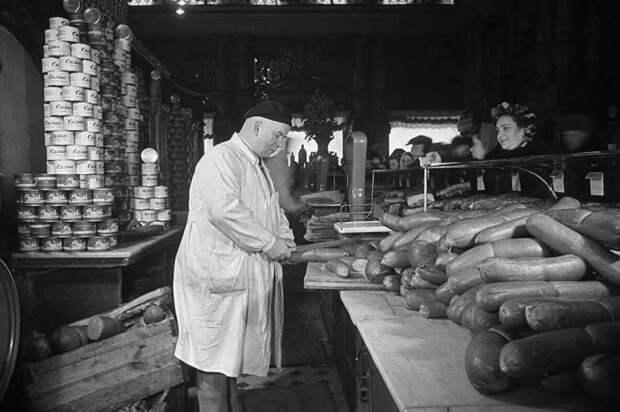 Новая колбаса была придумана в середине 1930-х годов. /Фото: vipdis.ru.