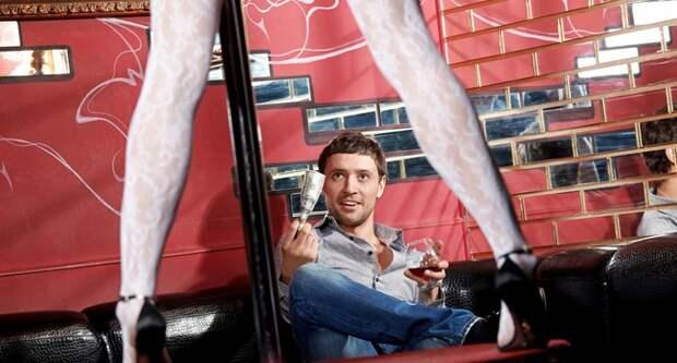 Блог Павла Аксенова. Анекдоты от Пафнутия. Фото Deklofenak - Depositphotos
