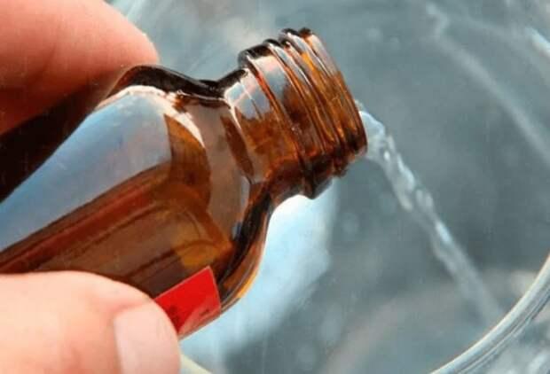 Для дезинфекции во время влажной уборки добавляйте в воду нашатырь или уксус / Фото: hearthstoneblog.ru