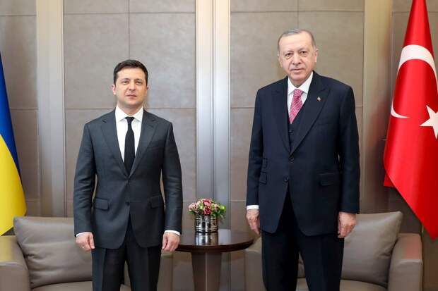 Заменить россиян украинцами на турецких пляжах пообещал Эрдогану Зеленский