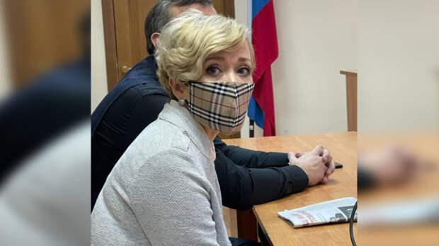 Суд вРостове признал виновной активистку Анастасию Шевченко