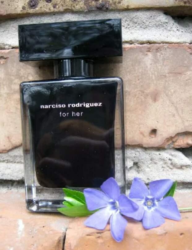 Роковой, но влюбляющий в себя парфюм. Чтож ты делаешь, Родригез...