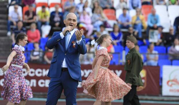 При поддержке Металлоинвеста в Новотроицке прошёл концерт, посвященный Дню Победы