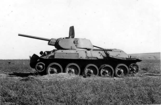 Как советская танкистка Александра Ращупкина 3 года успешно выдавала себя за мужчину...