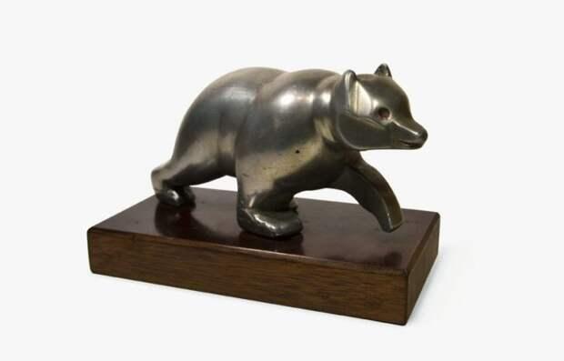 Почему оленя на капоте Волги знают все, а о медведе не знает никто авто, автомир, автомобили, история, маскот, медведь, фигурка, фигурка на капоте