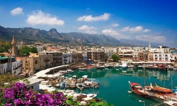 Кипр снимает все ограничения для туристов из России