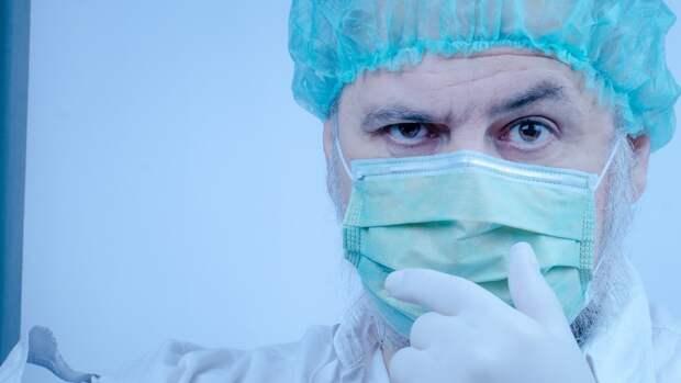 Заболеваемость коронавирусом увеличилась в мире почти в два раза