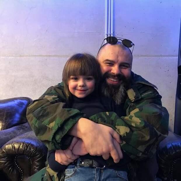 Максим Фадеев самую красивую девочку мира видит будущей солисткой Serebro