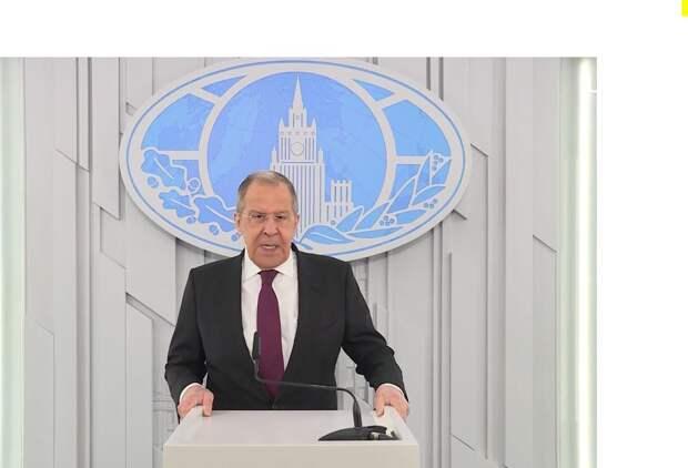 Лавров: Референдум стал единственным способом защиты крымчан на фоне угроз от неонацистов