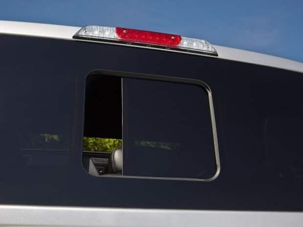 Ford представил бесшовное заднее стекло с форточкой для пикапа F-150