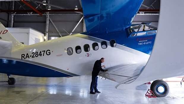 Новый легкий самолёт ТВС-2-ДТС, разработанный и построенный в Сибирском научно-исследовательского институте авиации им С.А.Чаплыгина (СибНИА) в ангаре предприятия