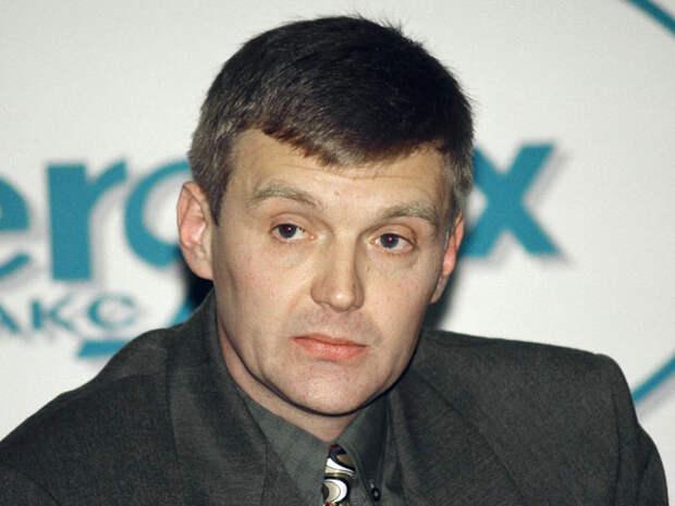 Бежавший в Великобританию в 2000 году экс-сотрудник ФСБ Александр Литвиненко скончался в ноябре 2006 года в Лондоне в возрасте 43 лет