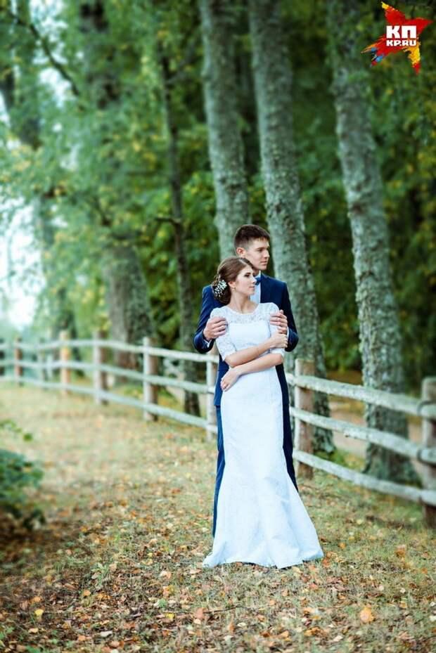 С красавицей-женой они немного не успели отметить первую годовщину свадьбы. Фото: семейный архив.