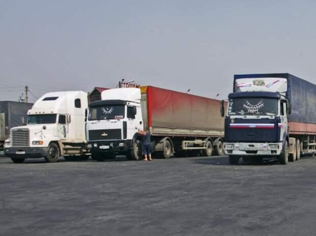 Грузоперевозчики выступили против тарифа Минтранса на проезд тяжелых грузовиков