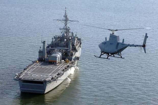 Американский беспилотный вертолет врезался в борт военного корабля