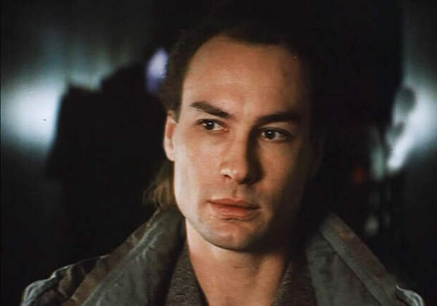 кадр из фильма «Хаги-траггер», 1994 год
